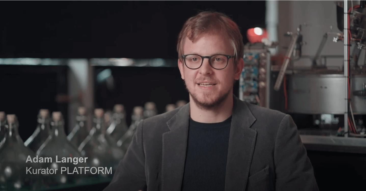 Adam Langer, Kurator PLATFORM