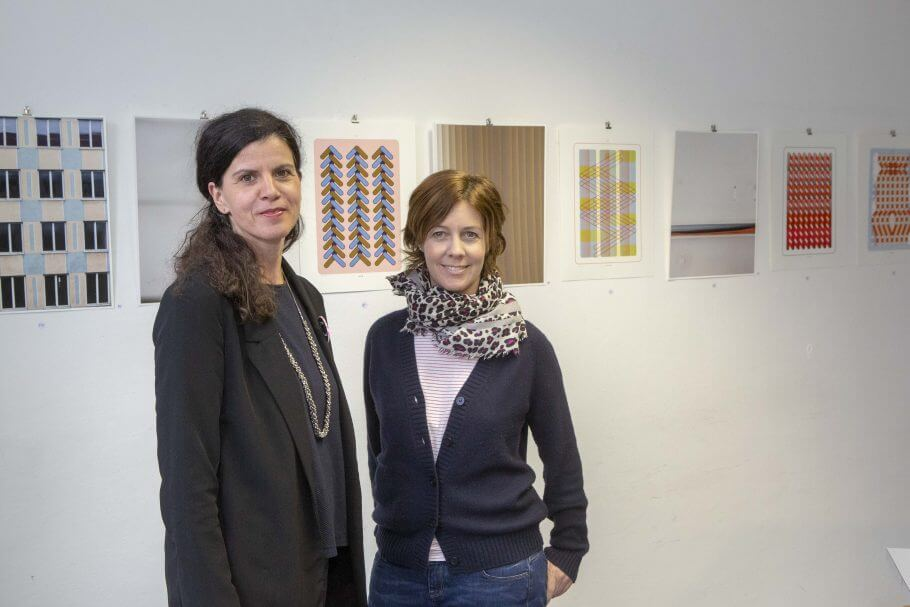 Die Initiatorinnen Elli Hurst (l.) und Kathrin Winter (re.) der short time GALERIE